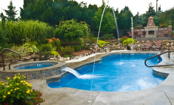 Staging Tips for your Pool